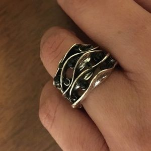 Jewelry - Gorgeous silver ring